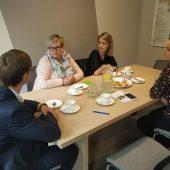 Na zdjęciu Wójt Gminy Lisewo Jakub Kochowicz, pani Agata Saja, pani Anna Sargalska oraz pracownicy Urzędu Gminy w Lisewie