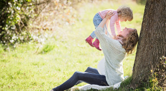 Grafika - mama z dzieckiem